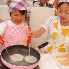 Papa.Mama.Kids.cooking