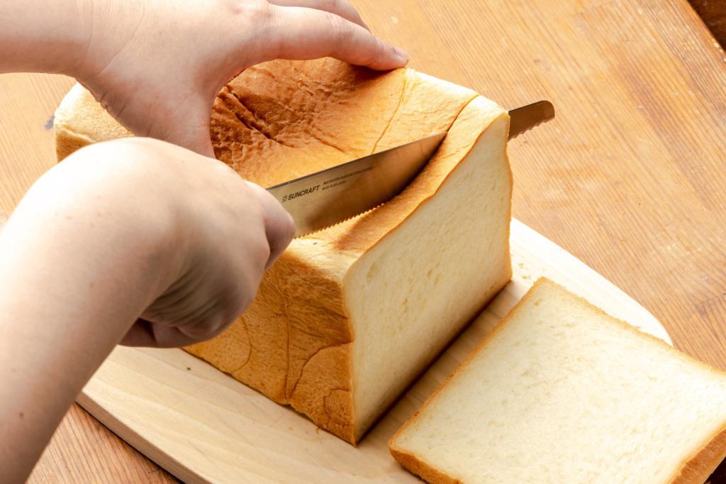 パン切りナイフ「せせらぎ」小さな波刃